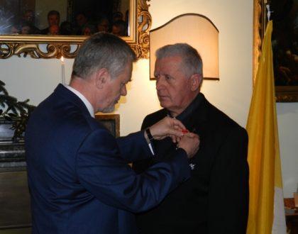 Vysoké poľské štátne vyznamenanie pre kňaza Šebastiána Košúta