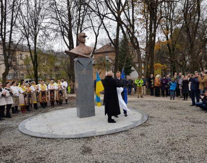 Odhalenie pamätníka M.R. Štefánika v Užhorode, Ukrajina