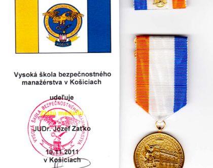 Zlatá medaila pre riaditeľa agentúry
