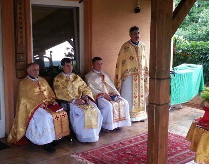Biskup a kňazi z Ukrajiny v Podhájskej